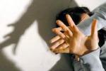 Noto, minacce e aggressioni dal compagno: una madre finisce in ospedale