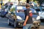 Palermo, fermati 36 posteggiatori abusivi. Le immagini del blitz