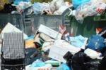 I rifiuti invadono Mondello. Il servizio di Tgs