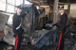Mobilificio in fiamme a Palermo. Il servizio di Tgs
