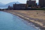 Ripulita la spiaggia di Vergine Maria. Il servizio di Tgs