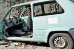 A Palermo carcasse di auto vista mare. Il servizio di Tgs
