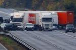 Terribile incidente in Inghilterra: coinvolti 7 Tir e 20 auto