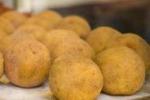 Da Tgs: Santa Lucia tra arancine e tradizione