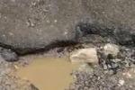 Palermo, asfalto dissestato in via Patti