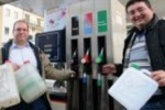 Palermo, la corsa al pieno di benzina