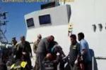 Lampedusa, i soccorsi della guardia di finanza