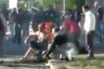 Attentato di Brindisi, feriti sull'asfalto dopo l'esplosione