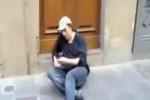 Ceccherini barcolla per strada: filmato dai passanti