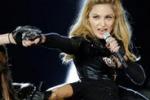 Madonna, insulti a Parigi: questi teppisti non sono miei fans