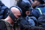 Cinema, Batman ancora al top degli incassi