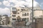 Siria, crolla ad Aleppo il minareto di una moschea: il video