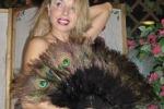 Burlesque, il talento italiano eccelle a Parigi con Miss Satine