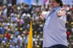 Maradona in India, folla in delirio: le immagini