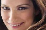 Torna Laura Pausini: canto il desiderio di diventare madre