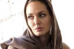 Angelina Jolie in campo per i diritti delle bambine