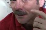 Nello spazio le lacrime non scendono: il video