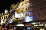 Crolla parte del soffitto di un teatro, decine di feriti a Londra