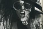 Lady Gaga mostra il seno nudo: stravaganze in copertina