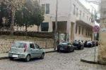 Archivio degradato sopra un asilo: a Piazza finalmente il trasferimento