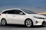 Si rinnova la Toyota Auris puntando sulla versione ibrida