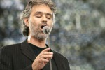 Bocelli a Siracusa per beneficienza