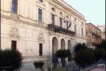 Comune di Ragusa, Mirabella: «Serve maggiore decoro anche negli abiti»
