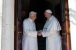 Il ritorno di Ratzinger, per la prima volta nella storia due Papi in Vaticano