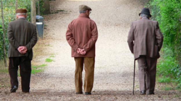 pensionati poveri, pensioni, Trapani, Economia