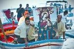 Lo sbarco della Madonna di Custonaci Bagno di fedeli nella Baia di Cornino