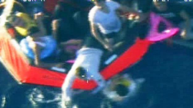 naufragio bambini, Sicilia, Cronaca