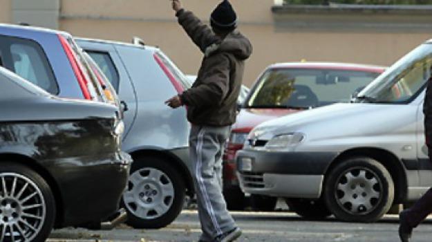 parcheggiatori abusivi, Enna, Cronaca