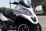 Per lo scooter Piaggio a tre ruote seconda generazione e un motore 300 cc.