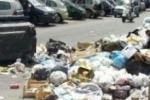 """San Cataldo """"seppellita"""" dai rifiuti, Mazza: """"Razionalizzare la raccolta"""""""