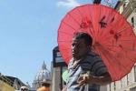 Casina Cuti, la rivolta degli ambulanti: «Siamo stati abbandonati da tutti»