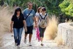 """Monte Pellegrino: """"acchianata"""" tra sporcizia e sterpaglie"""