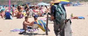 Stretta su ambulanti abusivi nelle spiagge di Siracusa, raffica di sequestri e denunce