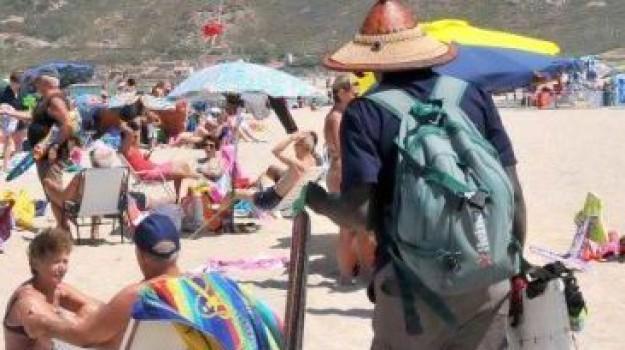 multe venditori ambulanti, spiagge sicure salvini, Matteo Salvini, Sicilia, Politica