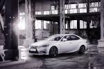 Lexus IS 300h Hybrid: l'ammiraglia con due motori