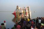Tragedia in un fiume del Bangladesh: traghetto affonda, 220 dispersi