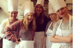 Drew Barrymore, Cameron Diaz e Reese Witherspoon amiche tra i fornelli