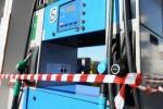 I benzinai incrociano le braccia «Negate le norme del settore»