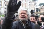 """Grillo in Sicilia attacca i giornalisti """"Gabanelli e Rodotà si sono rivoltati contro"""""""
