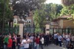A Palermo bidelli in piazza: pulizia scuole a rischio