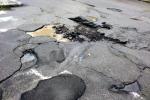 Nicosia, strade urbane lastricate di... insidie: lievitano le richieste di risarcimento