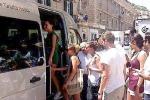 Modica, bus navetta per i turisti: «Il servizio è apprezzato»