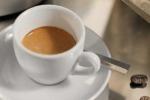 Il caffè con pistacchio o cacao Piace di più decorato e corretto