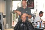 Il parrucchiere di Miccoli: giovani pazzi per la sua cresta