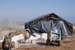 Abusivismo edilizio e tanta fantasia a Pachino: costruisce una casa dentro la serra