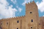 Alcamo, il castello rimane chiuso: i turisti non possono visitarlo